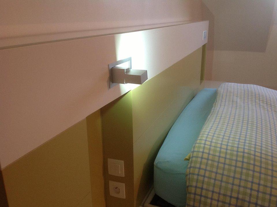 t te de lit en m dium laqu l 39 atelier du marais. Black Bedroom Furniture Sets. Home Design Ideas